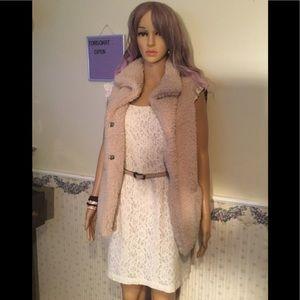 Forever 21 ecru lace dress with ecru lining